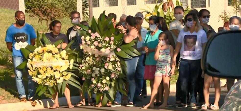 foto de Após perícia do IML, corpo da bebê Ísis Helena é sepultado durante cerimônia reservada em Itapira