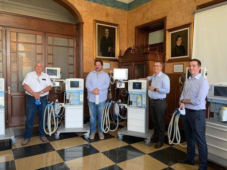 foto de Ypê doa equipamentos hospitalares com respiradores