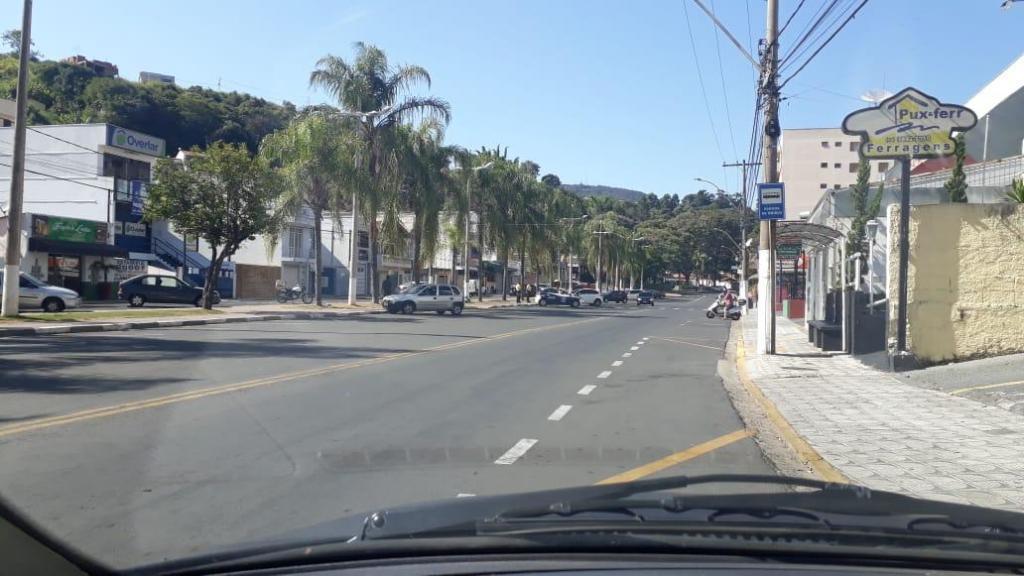 foto de Serra Negra: Decreto que proíbe estacionamento de motocicletas impede aglomeração