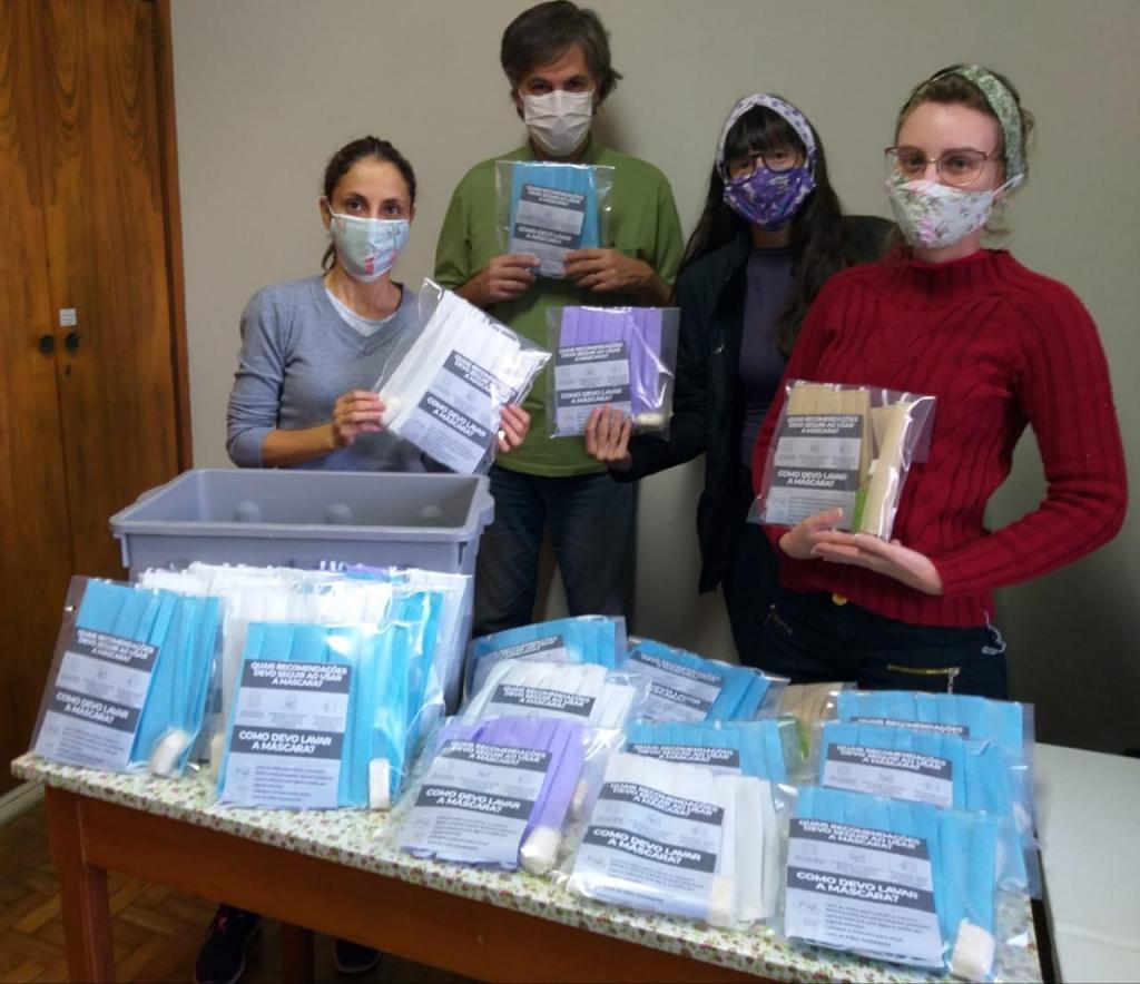 foto de CREAS faz distribuição de kits de higiene para população de rua