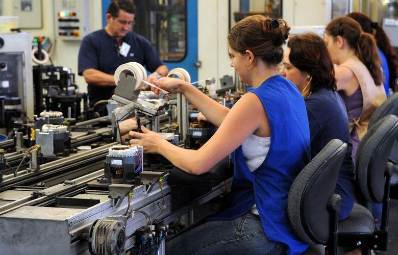 foto de Cerca de 63 mil empresários procuraram auxílio de crédito para garantir salário de funcionários, aponta BC