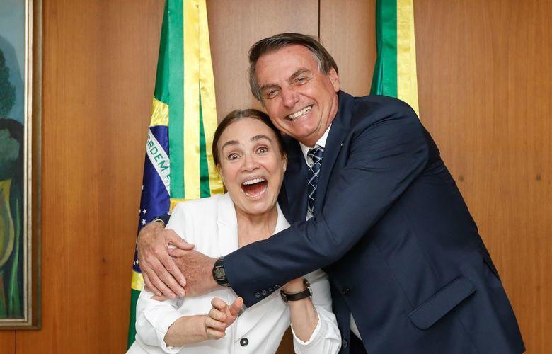 foto de Regina Duarte não é mais secretária de Cultura