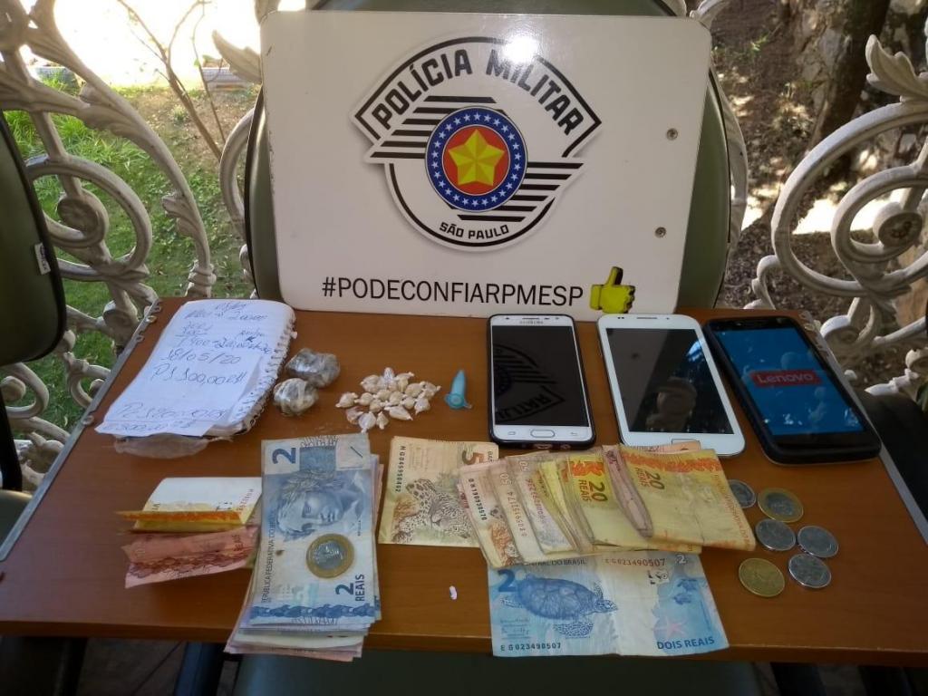foto de Polícia realiza grande apreensão de drogas e prende traficante