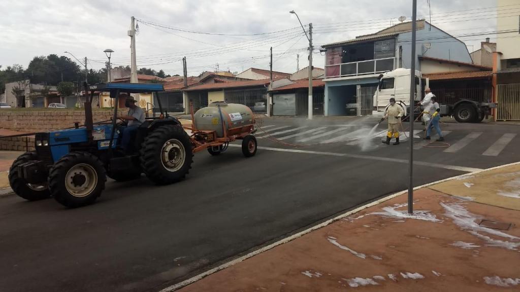foto de Prefeitura realizou sanitização em diversos bairros de Amparo