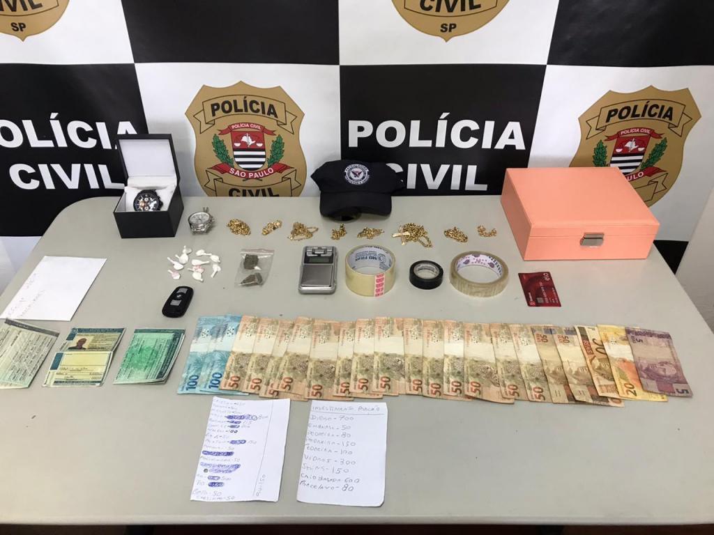 foto de Operação policial apreende drogas, carros, dinheiro e mais de R$ 60 mil em joias