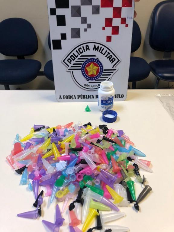 foto de Polícia apreende grande quantidade de pinos de cocaína vazios