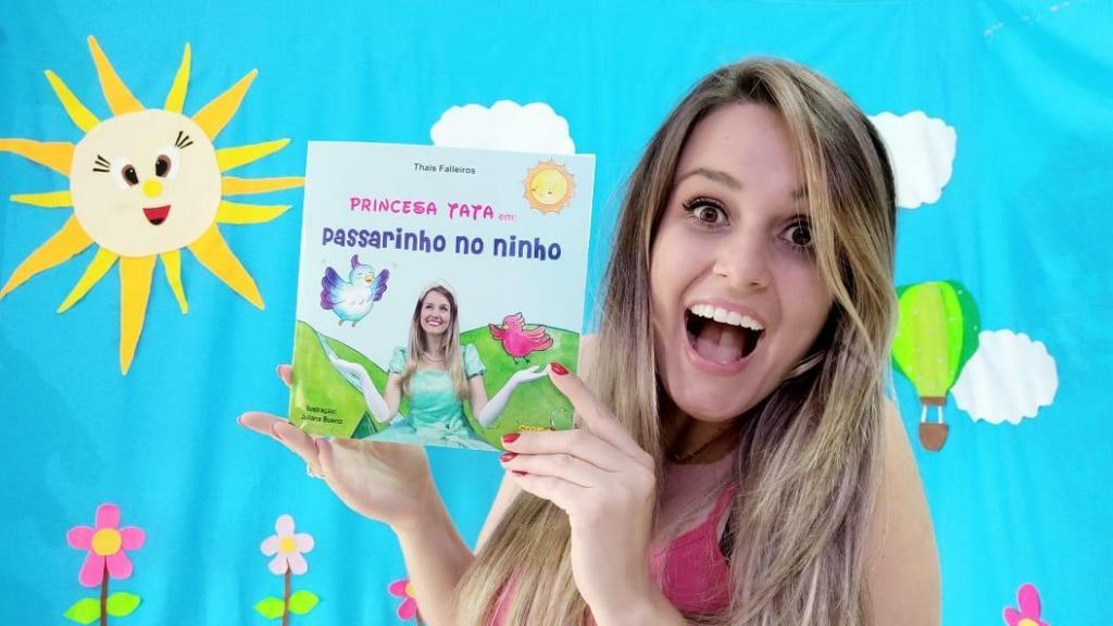 foto de Escritora amparense lança primeiro livro infantil em live