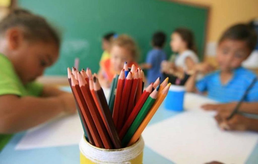 foto de Aprovado texto-base que suspende quantidade mínima de dias letivos em escolas