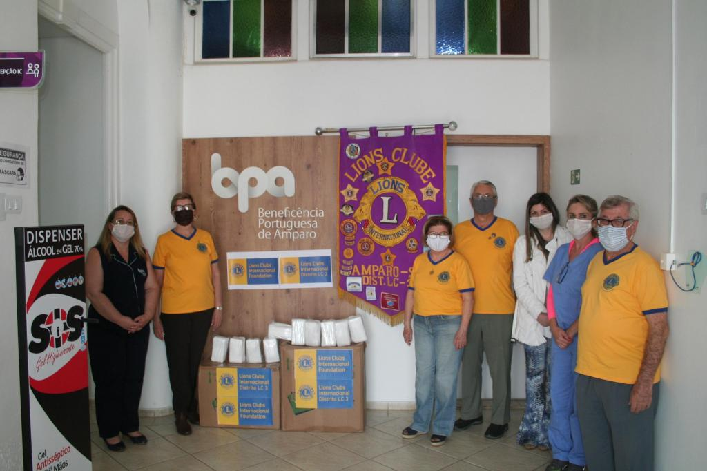 foto de Lions Clube de Amparo promove doação de máscaras para hospital