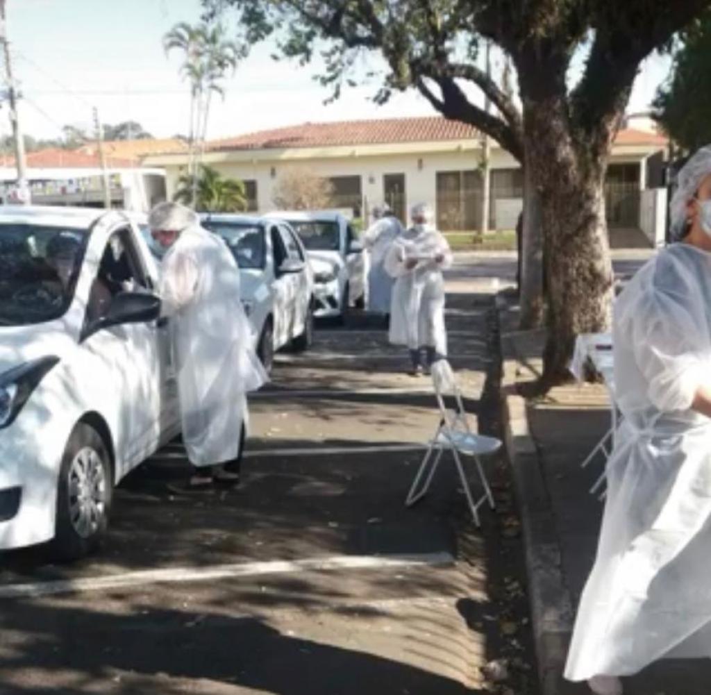 foto de Mais de 550 pessoas são imunizadas contra o sarampo no Drive Thru contra o sarampo