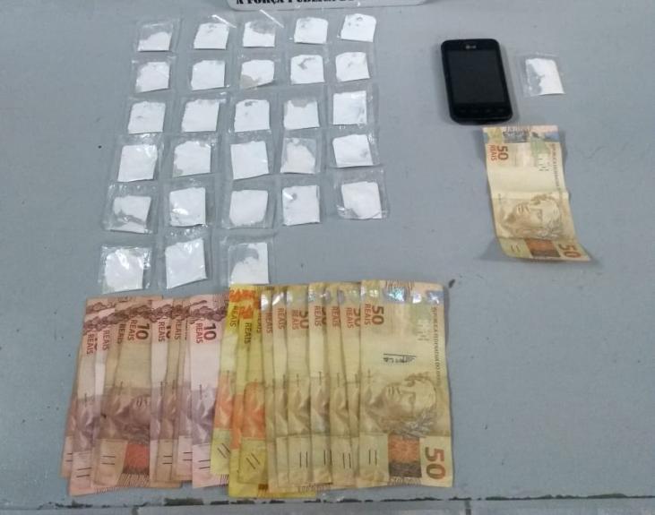 foto de Traficante preso com 28 pinos de cocaína e R$ 510,00