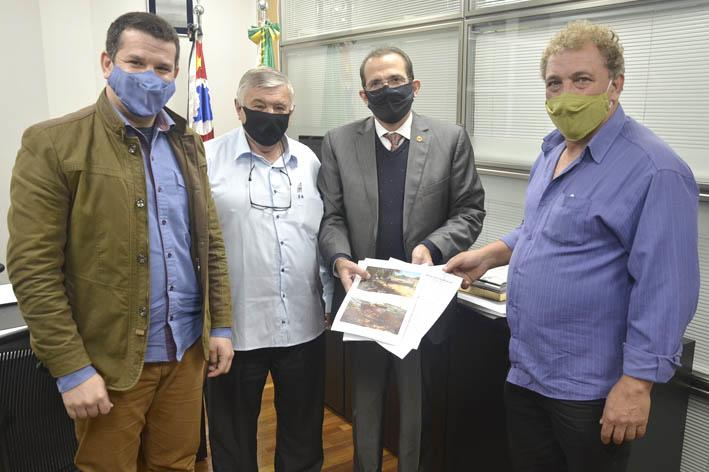 foto de Vereadores de Amparo reivindicam a conclusão das obras na SP-95