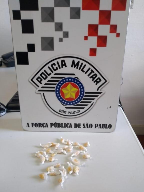 foto de Traficante preso com 28 pedras de crack