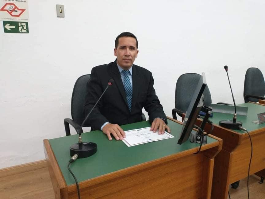 foto de Edilson Santos assume vaga de Alice Veríssimo no Legislativo amparense