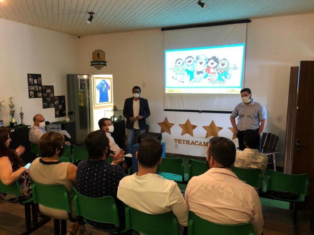 foto de Prefeitura de Monte Alegre recebe representantes de editora
