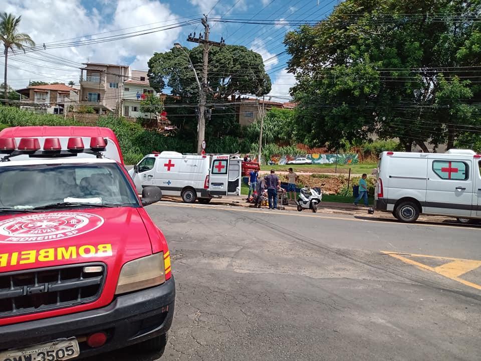 foto de Moto e carro se envolvem em acidente no Jardim Emilia em Pedreira