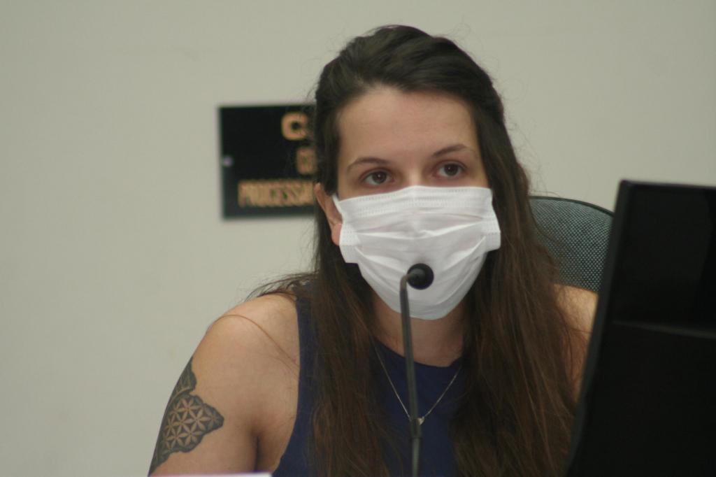 foto de Vereadora pede ao prefeito informações sobre o projeto Auxílio Amparense
