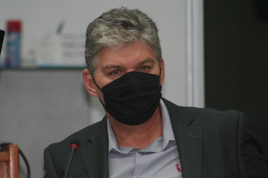 foto de Dil critica Carlos Alberto por escolher pessoas de outras cidades como secretários