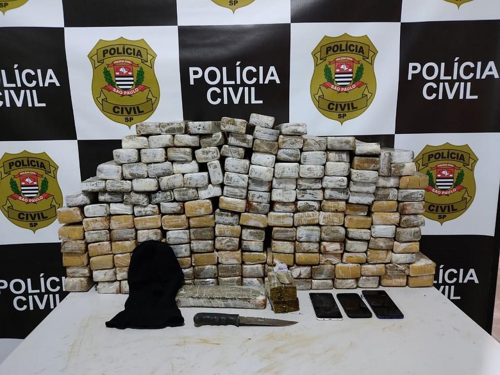 foto de Polícia prende jovem por tráfico de drogas e apreende 108 kg de maconha em Itapira