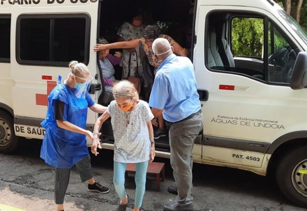 foto de Asilo em Águas de Lindóia registra 29 casos de Covid com 4 mortes e transfere idosos não infectados para hotel