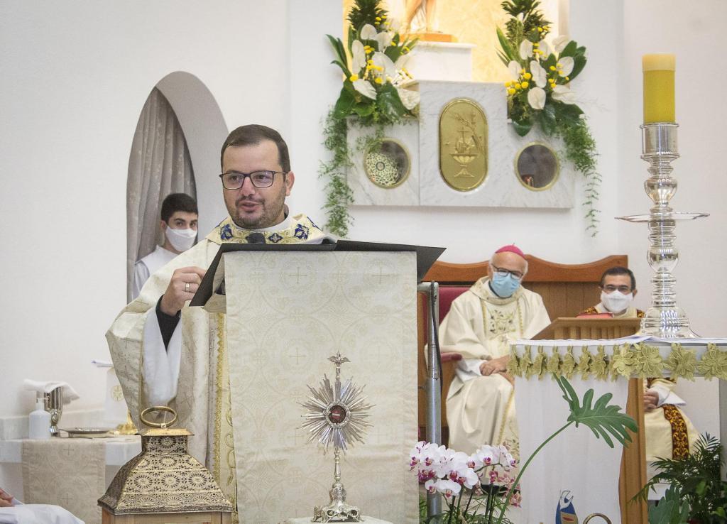 foto de Comunidade de São Sebastião acolhe novo pároco