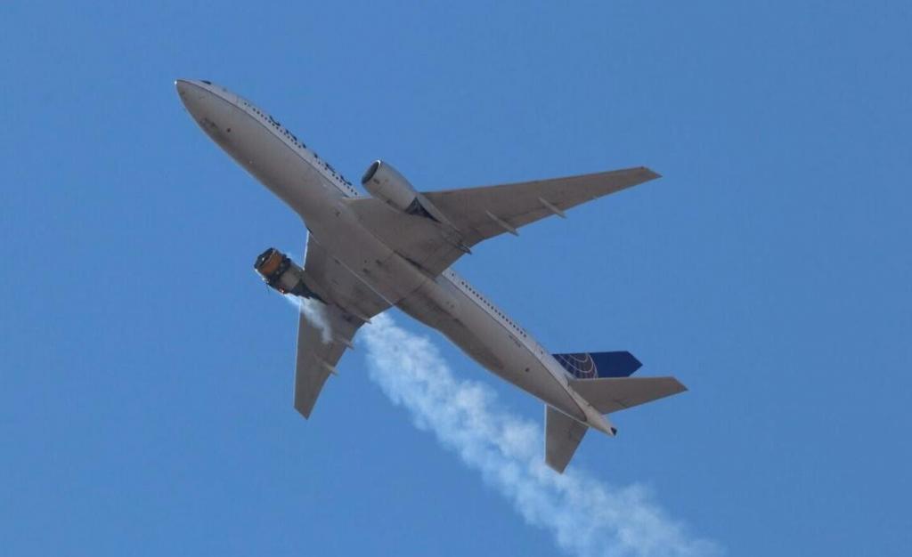 foto de Boeing recomenda suspensão de voos de aviões 777 após falha de motor