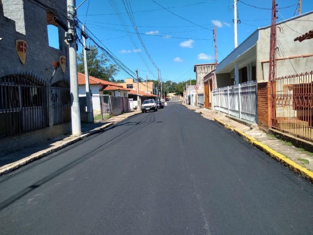 foto de Monte Alegre do Sul conclui obra de asfalto em Rua do Distrito de Três Pontes