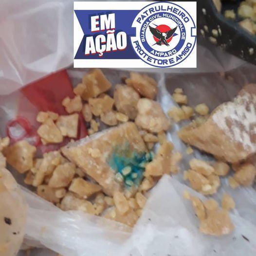 foto de GCM recolhe crack escondido em bola de futebol no Distrito de Arcadas