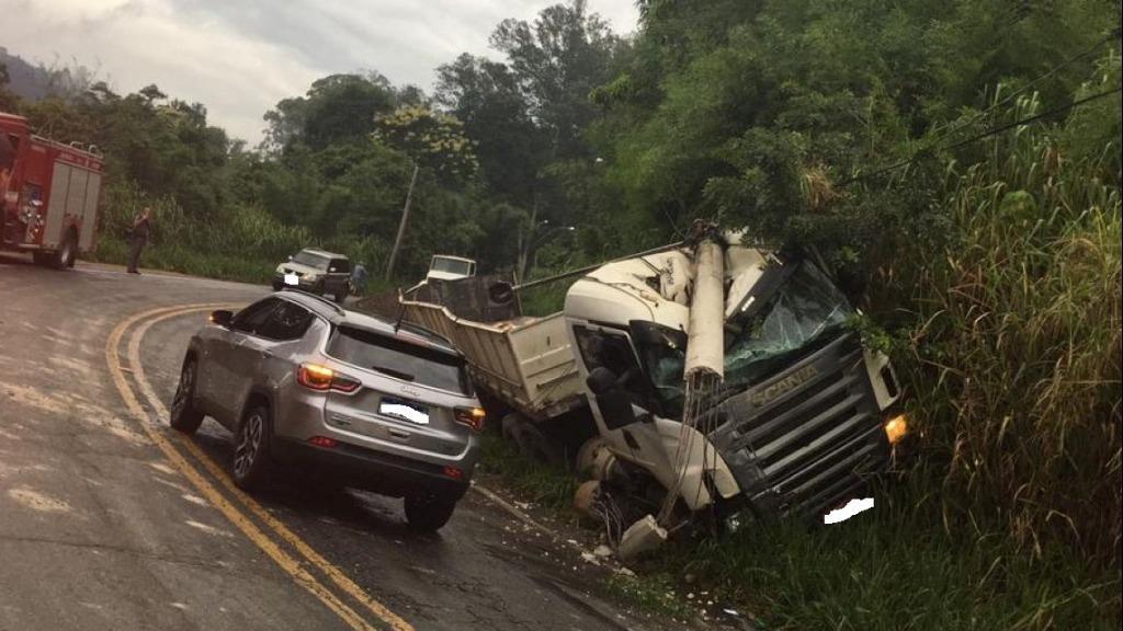 """foto de Mais um acidente no """"S"""" da Vila Nova"""