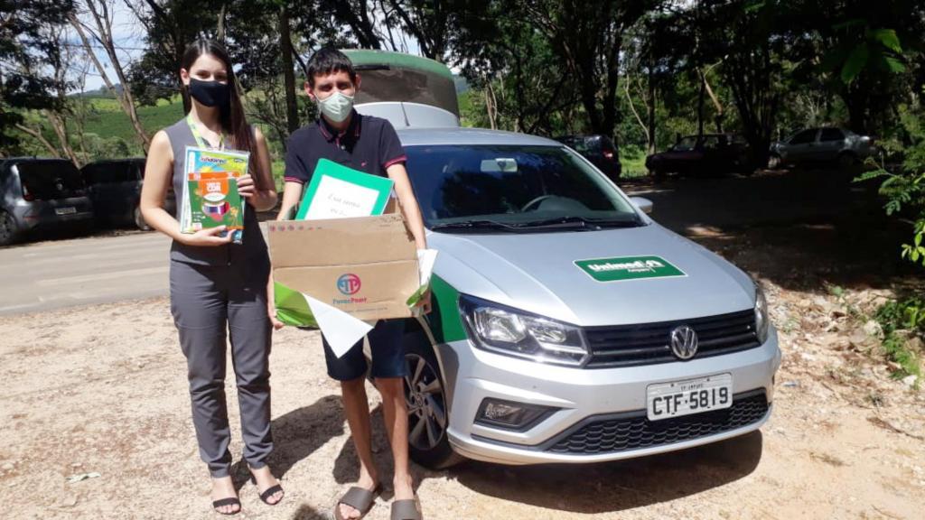 foto de Unimed Amparo faz doação de material escolar