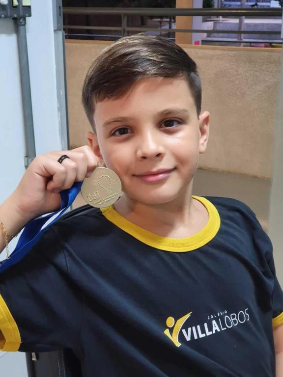 foto de Estudante recebe medalha de ouro em Olimpíada do Conhecimento