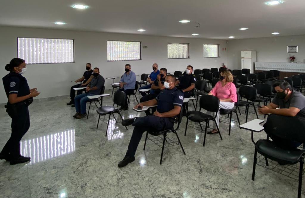 """foto de GM de Artur Nogueira recebe treinamento para implantação de """"Patrulha Guardião da Mulher"""""""