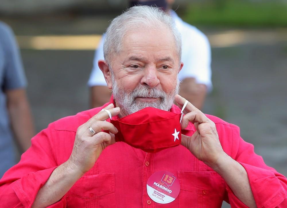 foto de Fachin anula condenações de Lula relacionadas à Lava Jato; ex-presidente volta a ser elegível