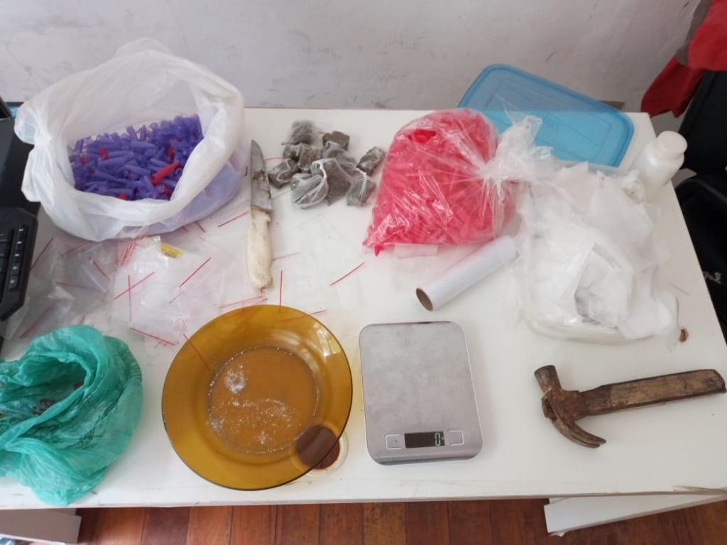foto de Policia Municipal encontra drogas em casa abandonada no Vale Verde