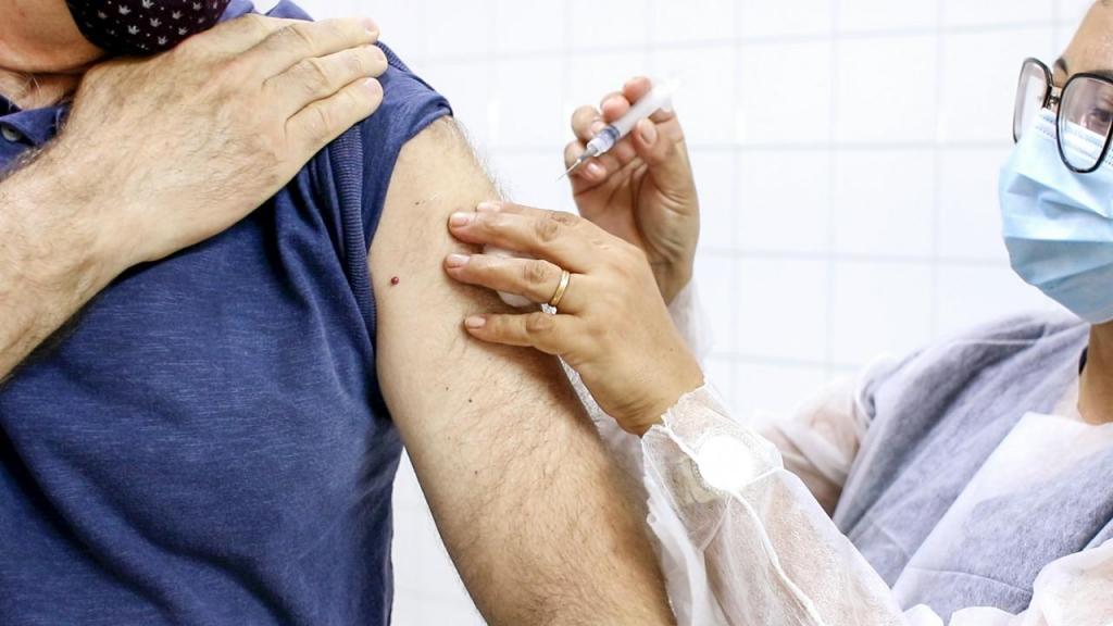 foto de Começa vacinação em idosos de 69 a 71 anos