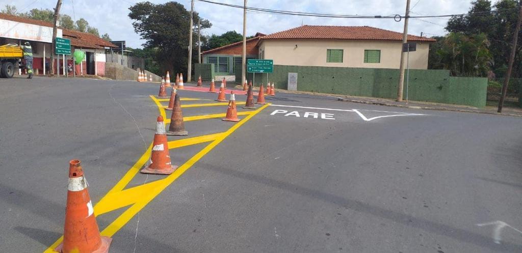 foto de Prefeitura realiza sinalização de trânsito no solo em três pontos da cidade