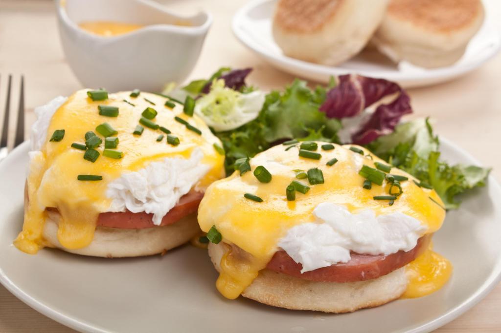 foto de Ovos Benedict é nutritivo e refinado! Surpreenda o paladar na próxima refeição!
