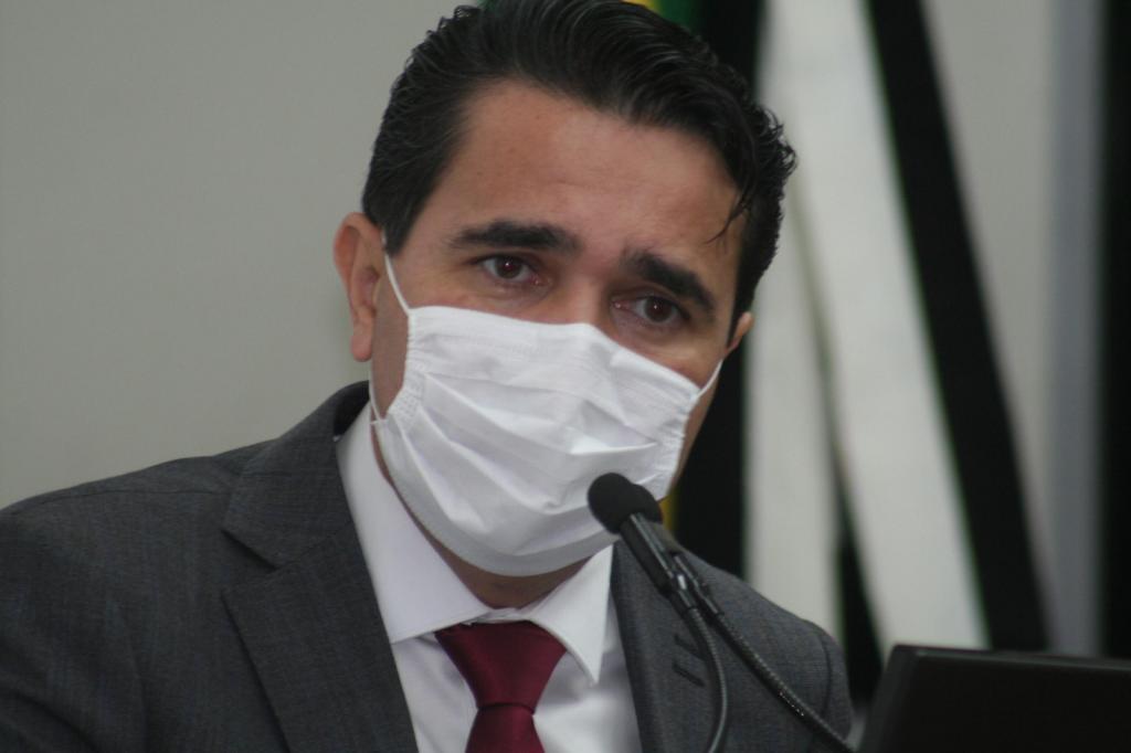 foto de Com aumento de internações e cinco mortes por Covid-19, Carlos Alberto não descarta novas medidas restritivas