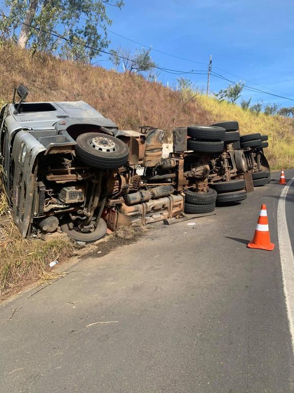 2021052529591567policia_acidente02.jpg