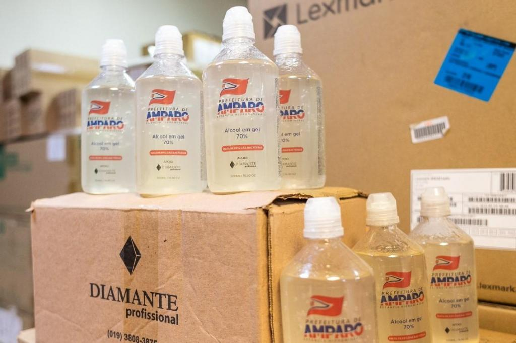 foto de Empresa promove doação de álcool gel para a Prefeitura