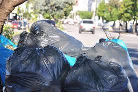 foto de Vereadores estabelecem horário para comerciantes deixarem o lixo na rua