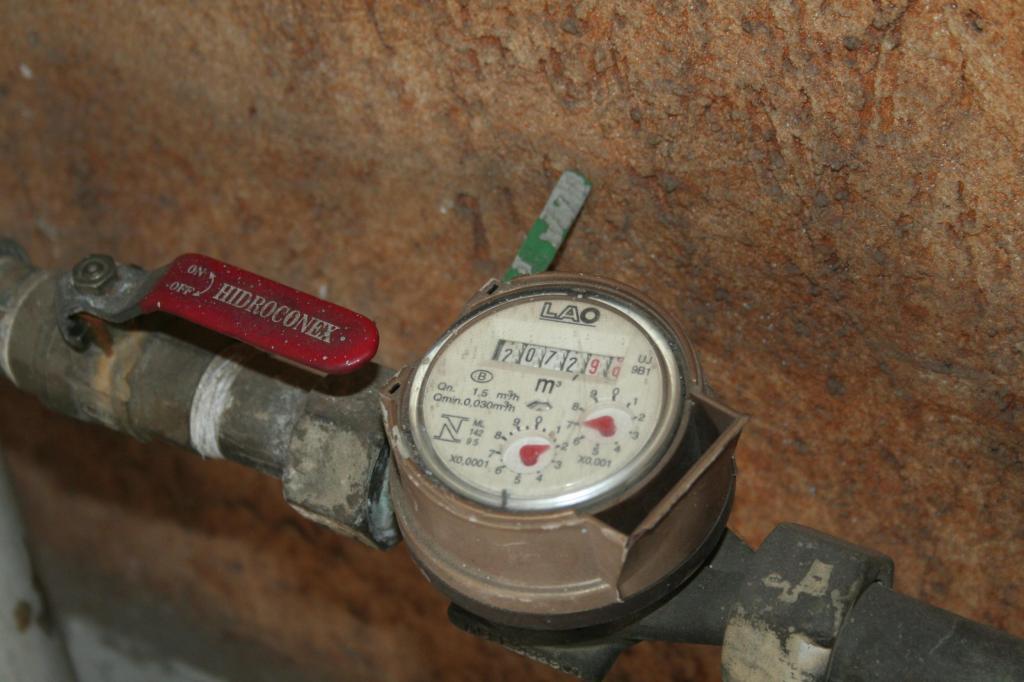 foto de Contas d'água em atraso totalizam R$ 7,2 milhões e Carlos Alberto pede criação de Refis