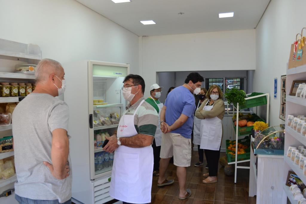 foto de Aberta oficialmente a Loja do Produtor Rural de Pedreira