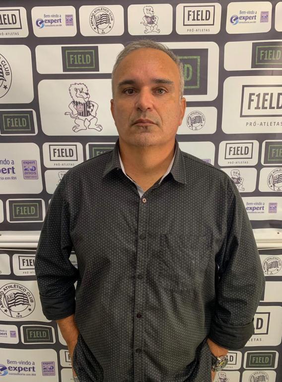 foto de Eduardo Clara anunciado como novo técnico do Amparo Athlético Club