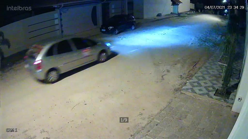 foto de Motorista de aplicativo tira fotos da casa do prefeito na madrugada e é averiguado pela GCM