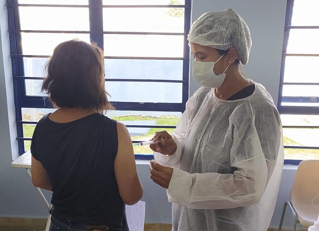 foto de Secretaria de Saúde proibi foto no momento da vacinação