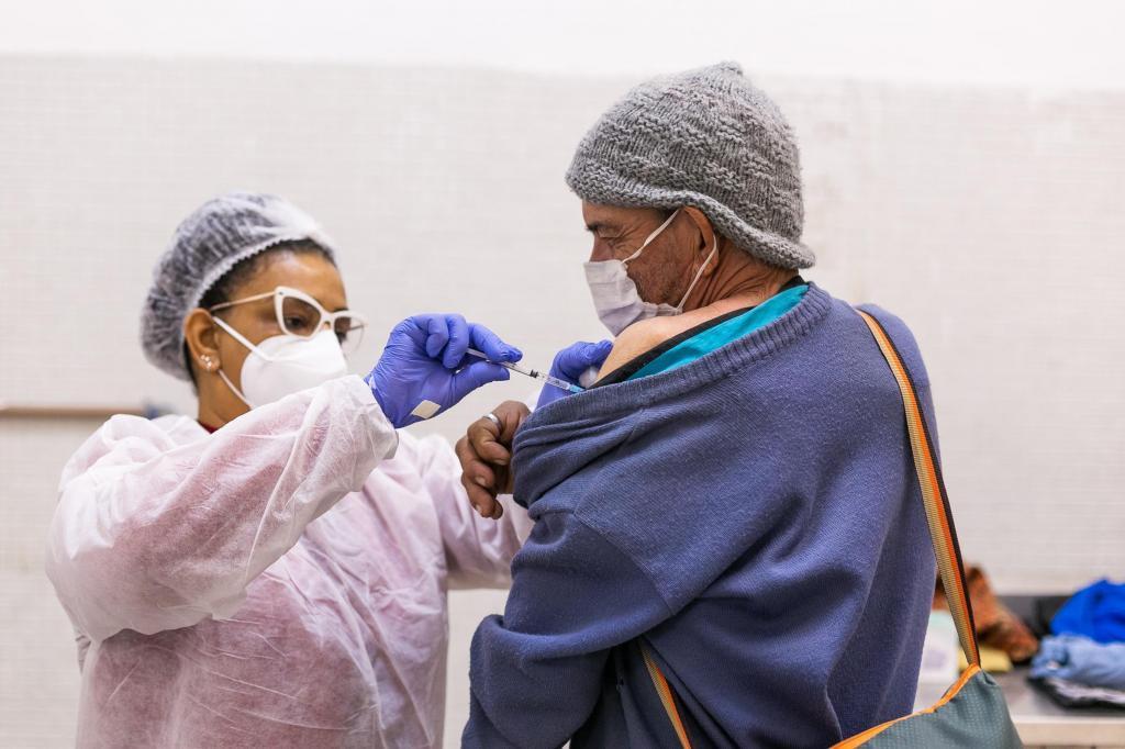 foto de Pessoas em situação de rua foram vacinadas contra Covid-19 em Amparo