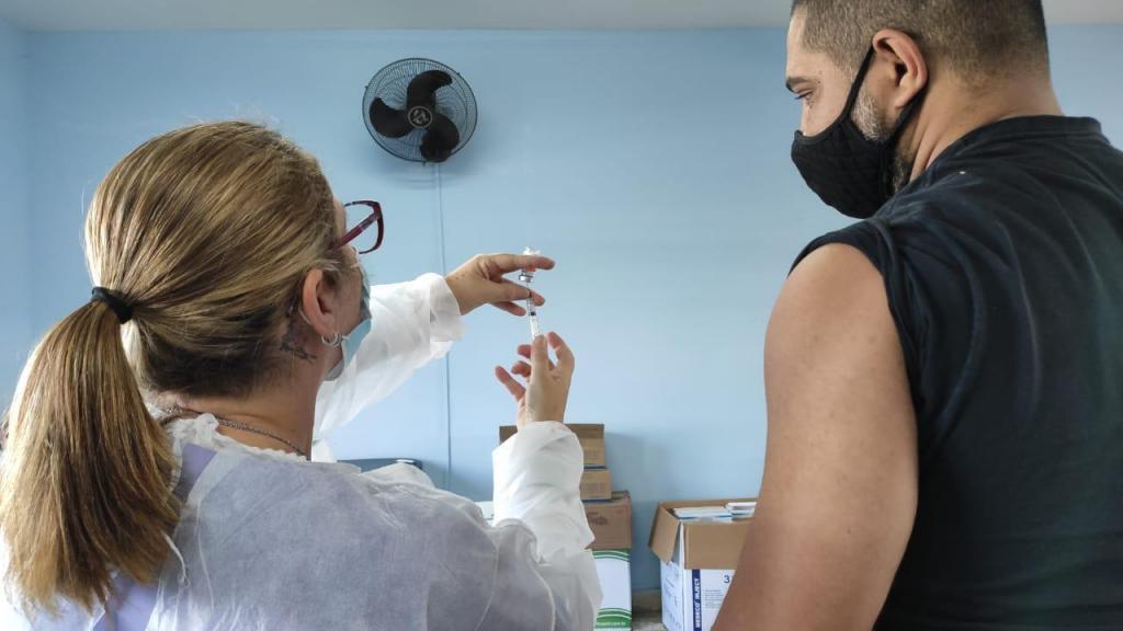 foto de Nesta semana vacinação em Amparo acontece das 9h às 19h