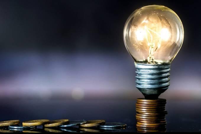 foto de Conta de luz deve subir 16,7% em 2022, estima Aneel