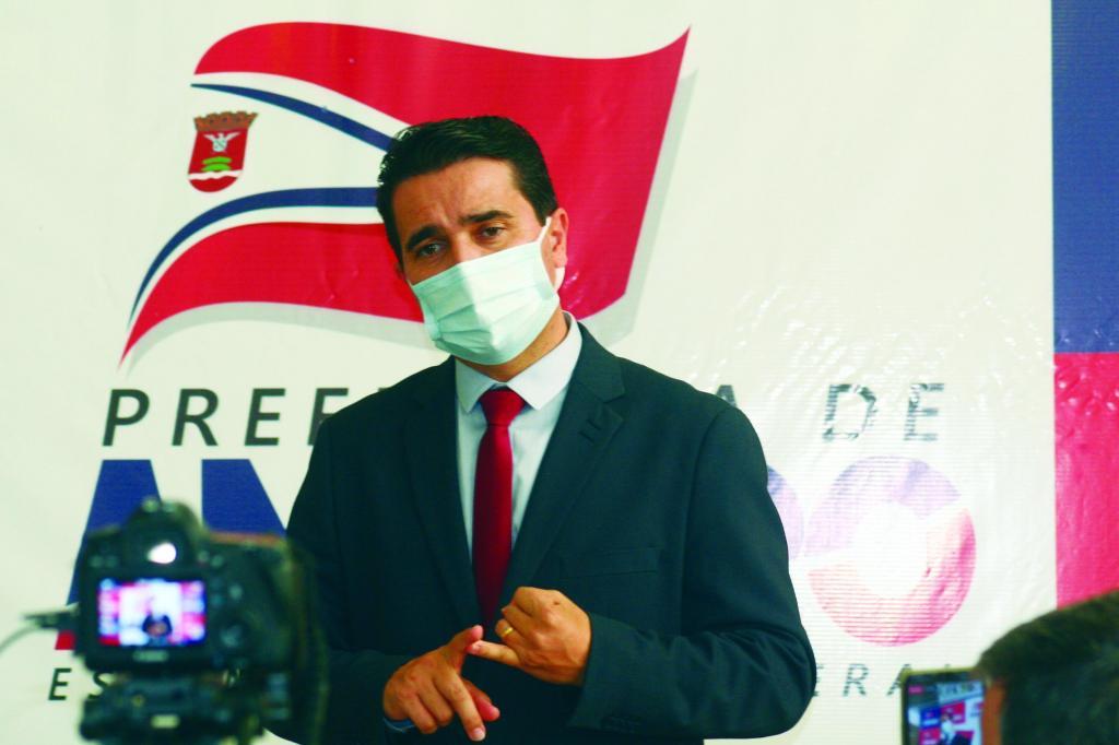 foto de Carlos Alberto diz que dinheiro do tapa buraco foi usado no combate a Covid-19